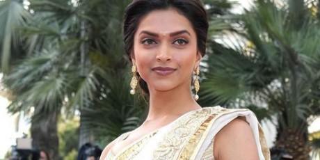 Celana Dalam Deepika Padukone