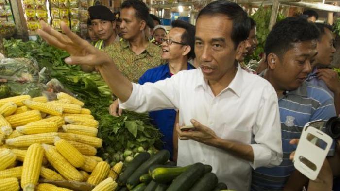 Jokowi di pasar